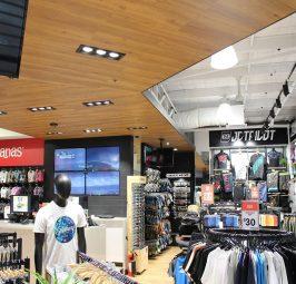 Budowa galerii handlowej sprzyja robieniu zakupów