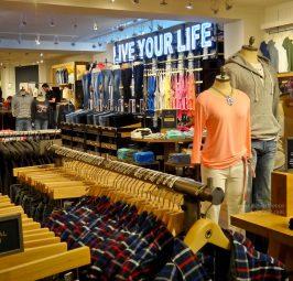Zakupy w sklepach z używaną odzieżą